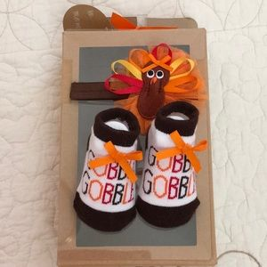 NIB Turkey headband and socks set - 0-6 months